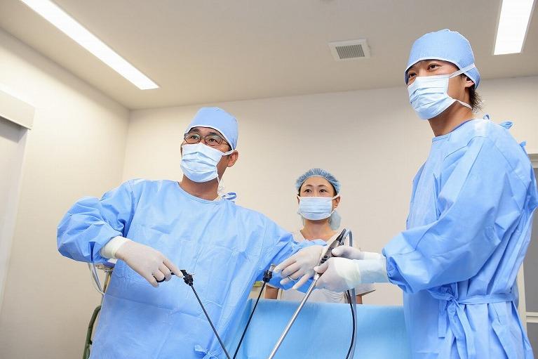 外科専門医と麻酔科専門医による手術